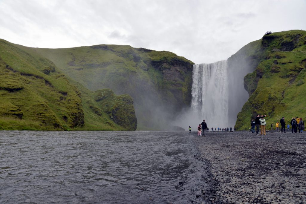 Skogafoss is the combination of a tall waterfall with thunderous beauty